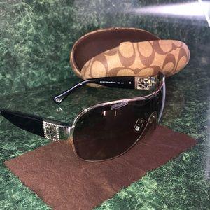 Woman's coach sunglasses